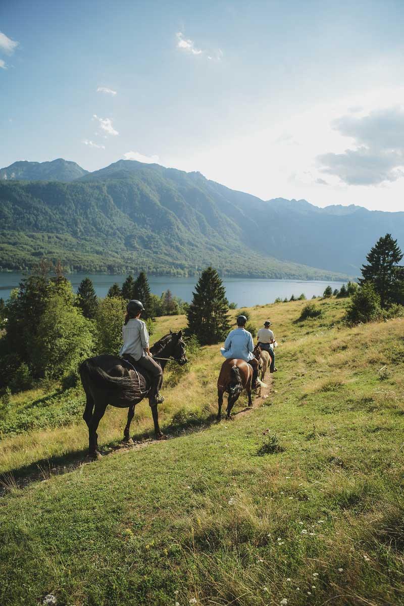 jahanje-konj-ob-bohinjskem-jezeru